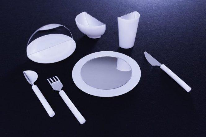 half-full-saki-maruyama-and-daniel-coppen-design_dezeen_2364_col_0-852x568